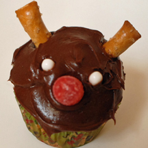 reindeer cupcake with horns