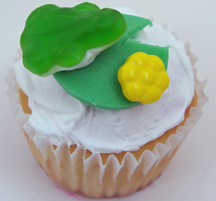 frog on lilypad with flower cupcake