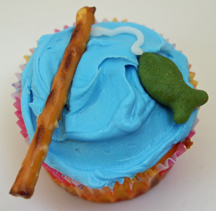 fishing cupcake