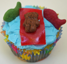 teddy bear on raft cupcake