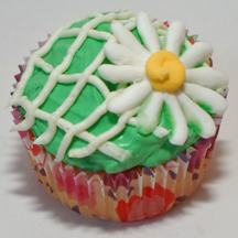 daisy on trellis cupcake