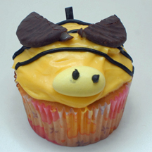 Bee with stinger cupcake