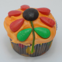 Flower cupcake with teardrop petals
