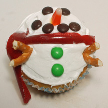 Fat snowman cupcake