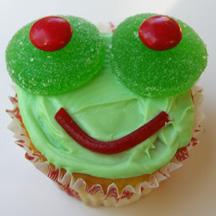 Big-eyed frog cupcake