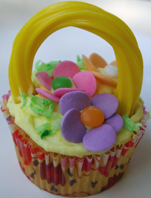 Mother's Day basket cupcake with handle
