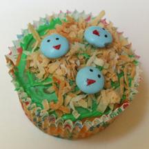 Baby bird cupcake