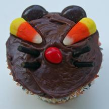 Halloween cat cupcake