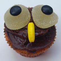 Hoot owl cupcake