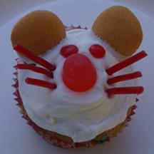 Christmas mouse cupcake