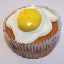 Fried egg cupcake